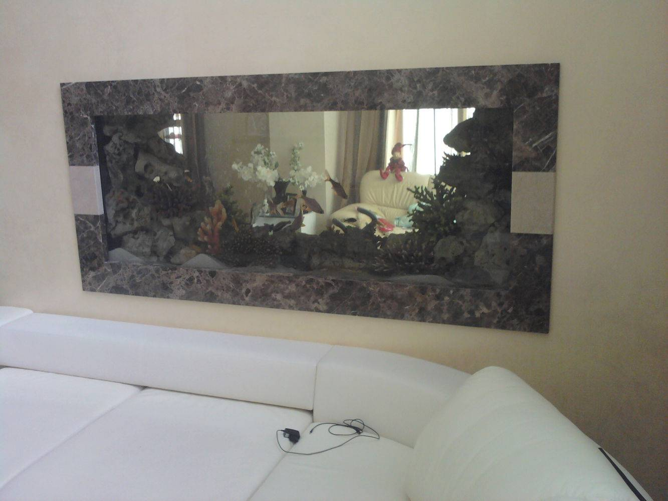 Аквариум со вставками из мрамора фото 2 — изелия и проекты от Bevers Marmyr