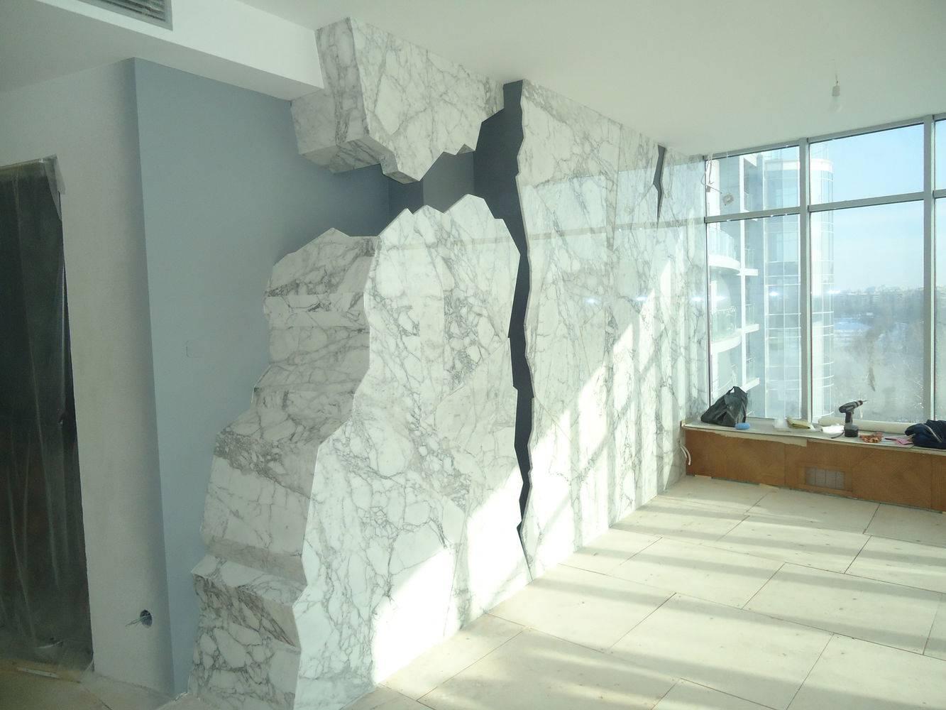 Декоративная стенка из мрамора фото 1 — изелия и проекты от Bevers Marmyr