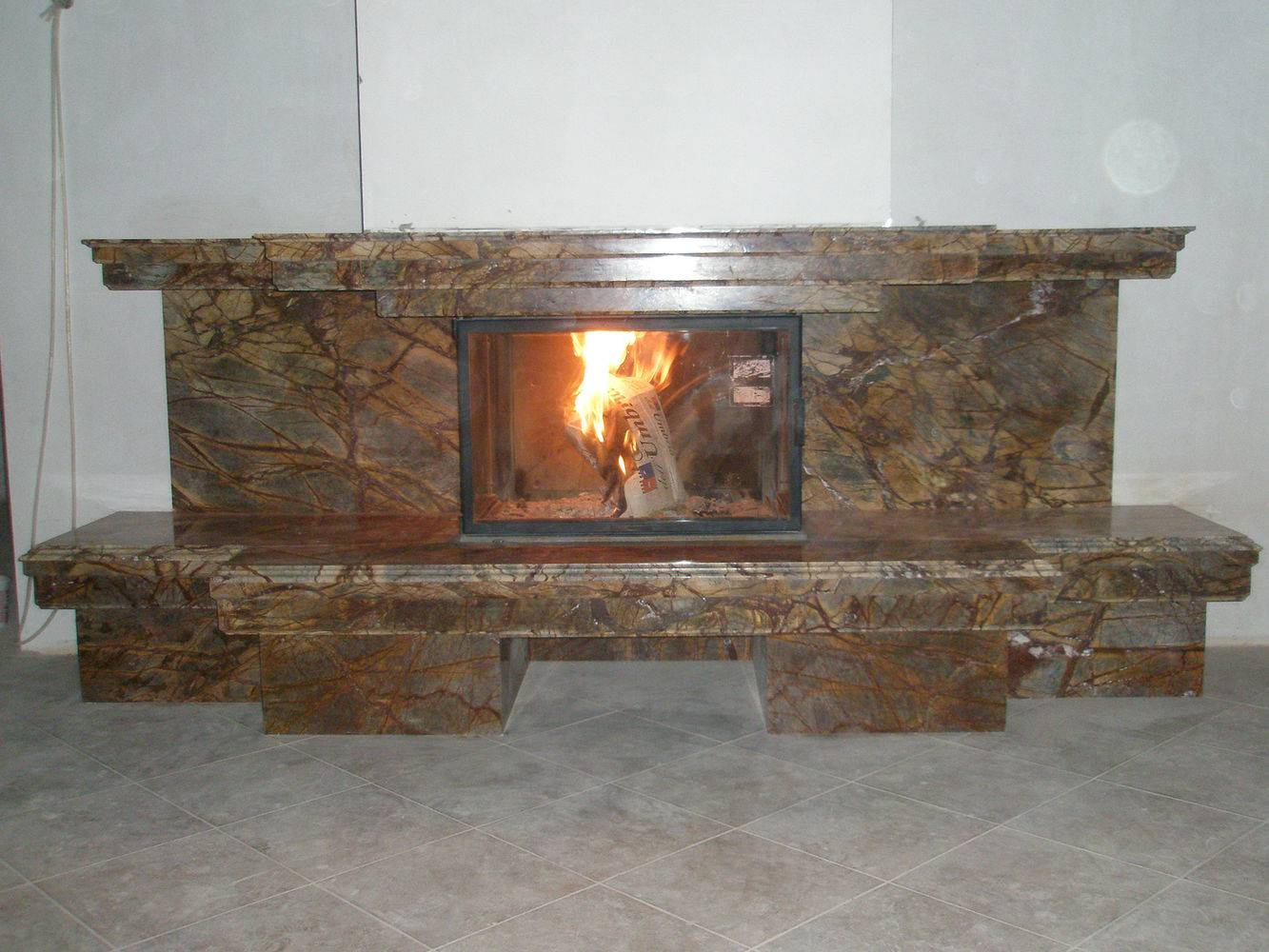 Мраморный камин-10 фото 1 — изелия и проекты от Bevers Marmyr