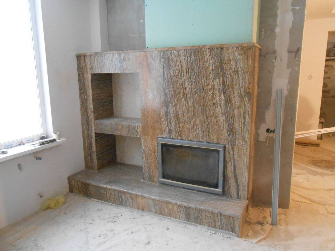 Мраморный камин-4 фото 1 — изелия и проекты от Bevers Marmyr