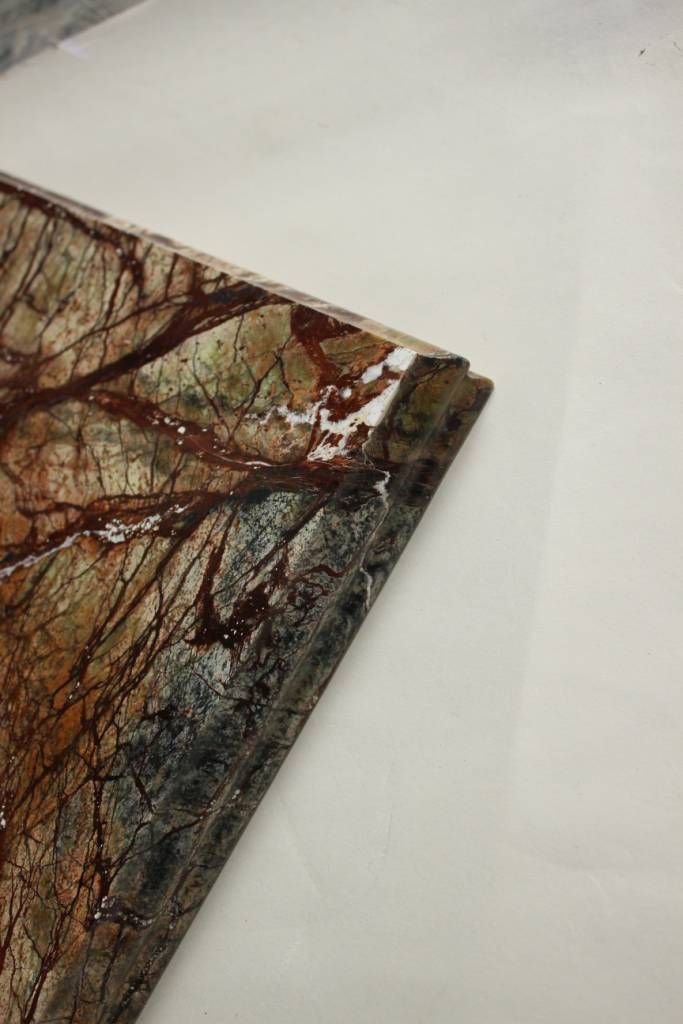 Образец фасонной обработки кромки №10 Б фото 2 — изелия и проекты от Bevers Marmyr
