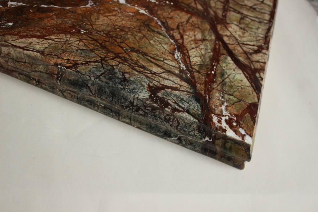 Образец фасонной обработки кромки №10 Б фото 1 — изелия и проекты от Bevers Marmyr