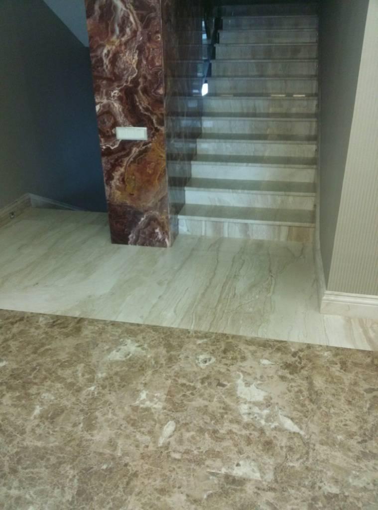 Мраморная лестница фото 1 — изелия и проекты от Bevers Marmyr