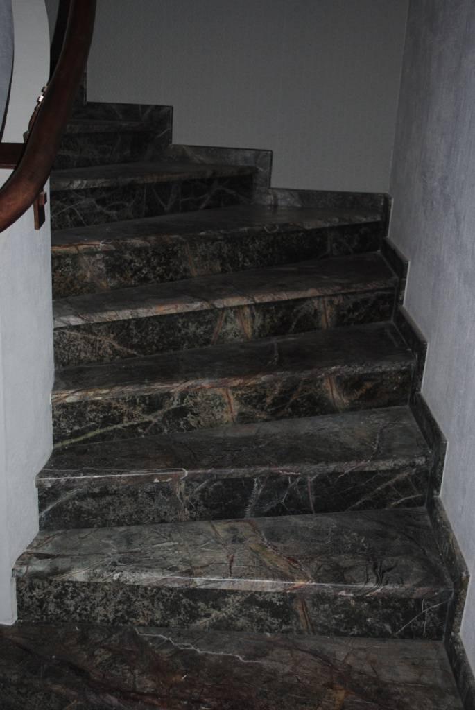 Лестница из мрамора-2 фото 2 — изелия и проекты от Bevers Marmyr