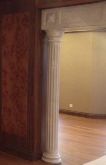 Облицовка дверного проёма мрамором фото 1 — изелия и проекты от Bevers Marmyr