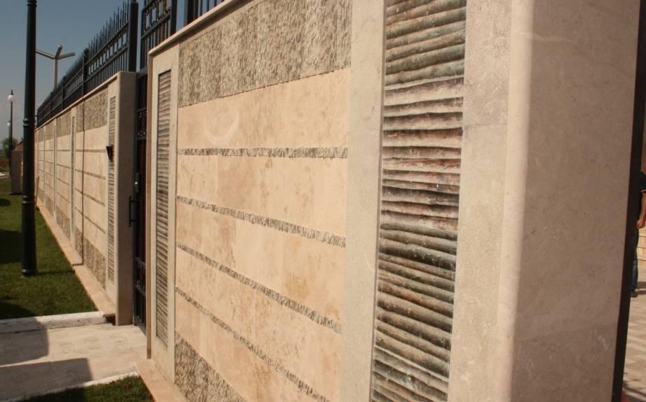 Облицовка фасада мрамором фото 1 — изелия и проекты от Bevers Marmyr
