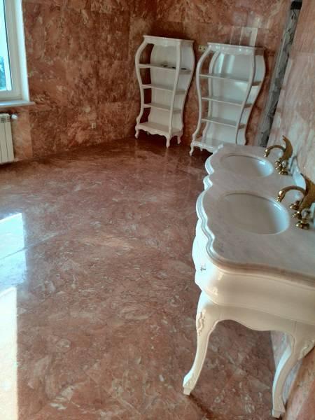 Облицовка стен и пола ванной комнаты мрамором фото 1 — изелия и проекты от Bevers Marmyr