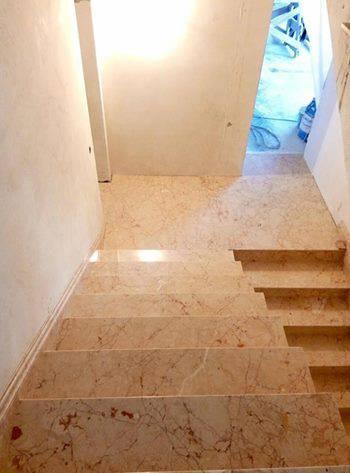 Лестница из мрамора-4 фото 2 — изелия и проекты от Bevers Marmyr
