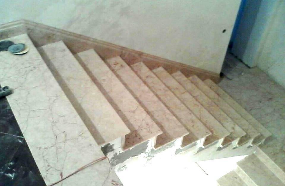 Лестница из мрамора-4 фото 3 — изелия и проекты от Bevers Marmyr