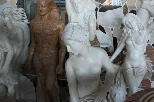 Статуи из мрамора в ассортименте фото 1 — изелия и проекты от Bevers Marmyr