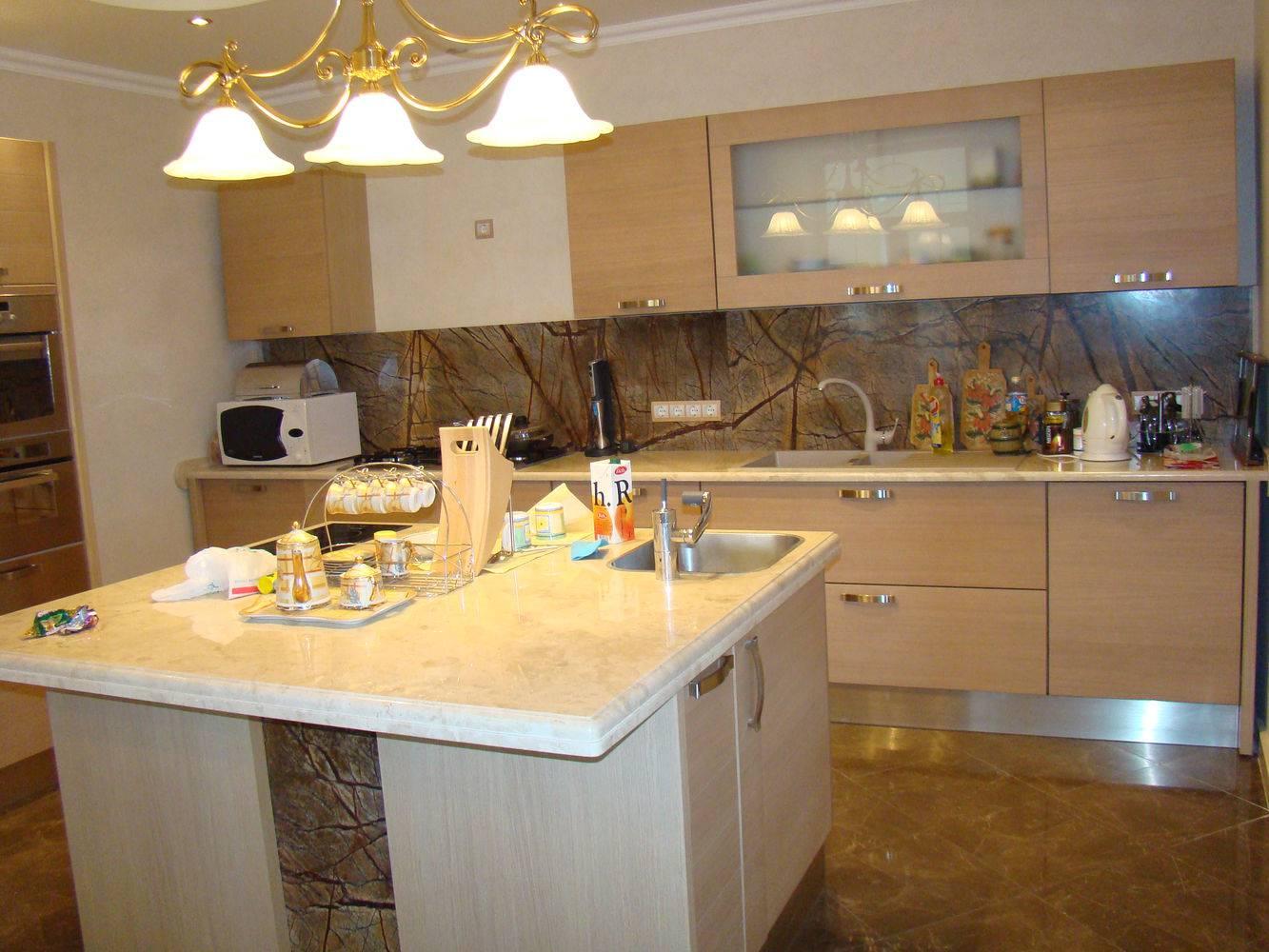 Столешница для кухни-14 фото 1 — изелия и проекты от Bevers Marmyr