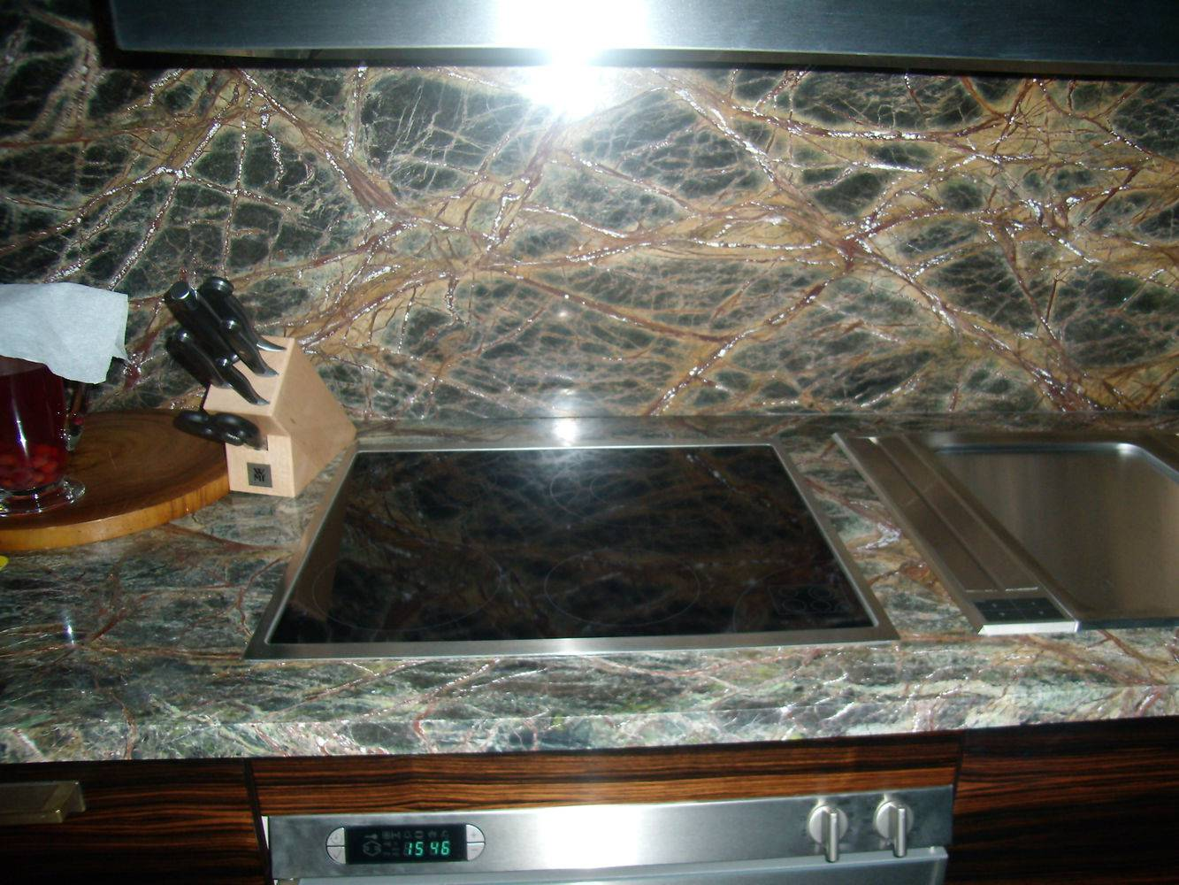 Мраморная столешница для кухни фото 1 — изелия и проекты от Bevers Marmyr