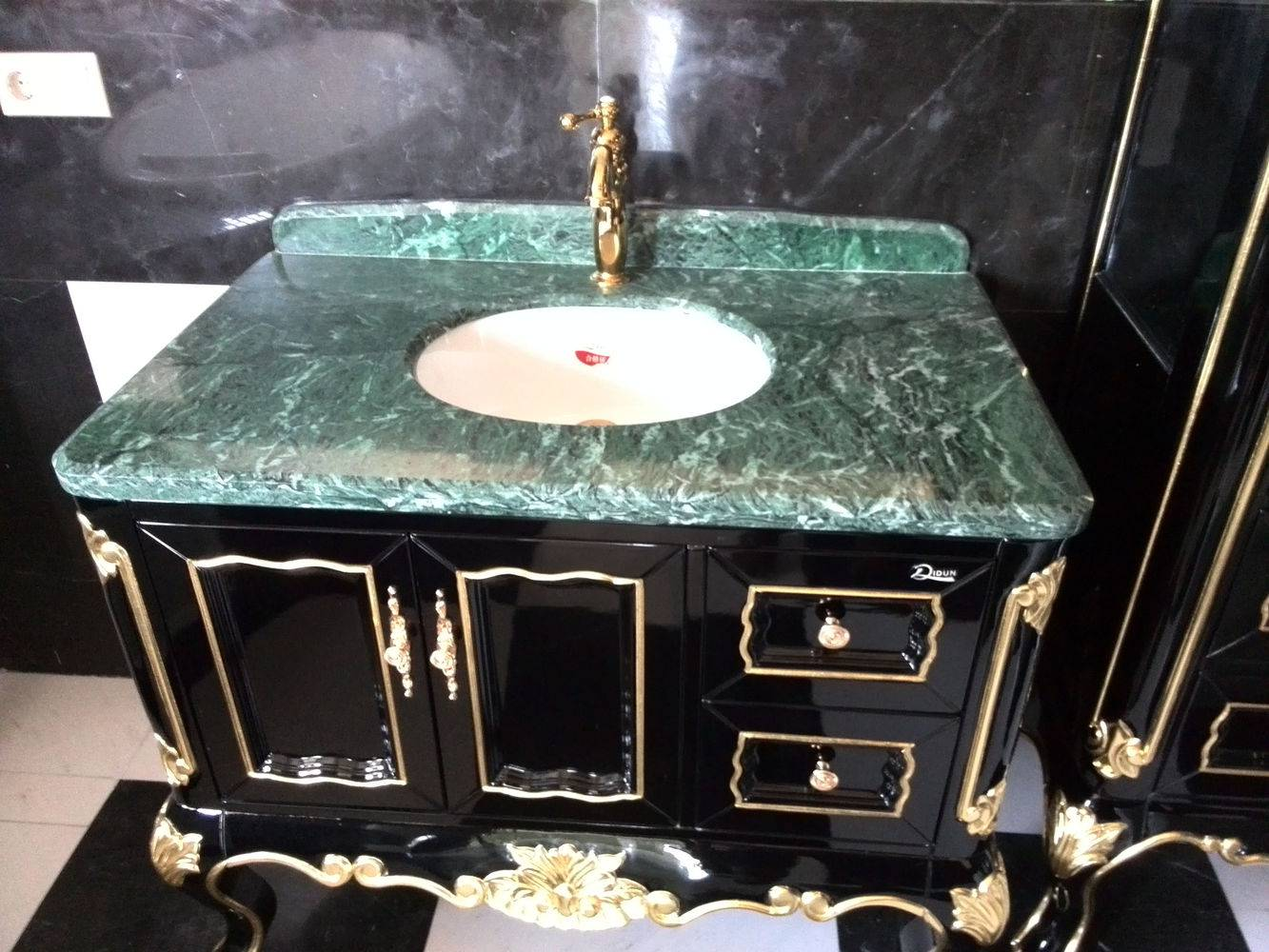Столешница для ванной фото 1 — изелия и проекты от Bevers Marmyr