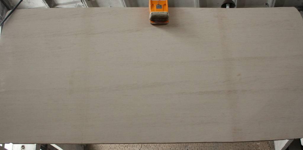 mocca-cream-limestone
