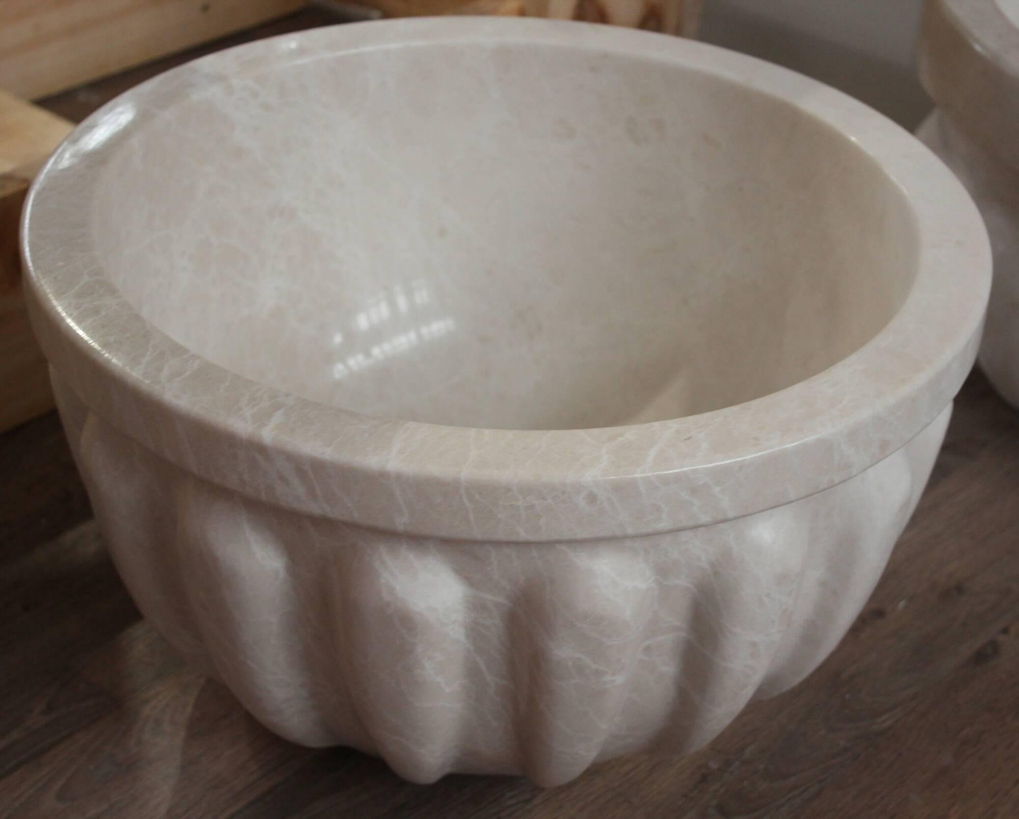 Белая круглая курна из мрамора, Турция фото 1 — изелия и проекты от Bevers Marmyr