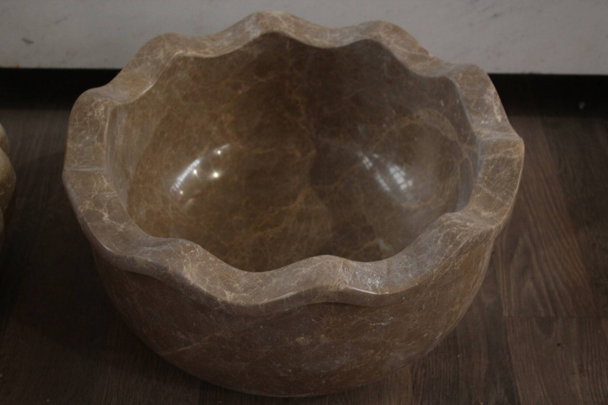 Мраморная курна в виде чаши, Турция фото 1 — изелия и проекты от Bevers Marmyr
