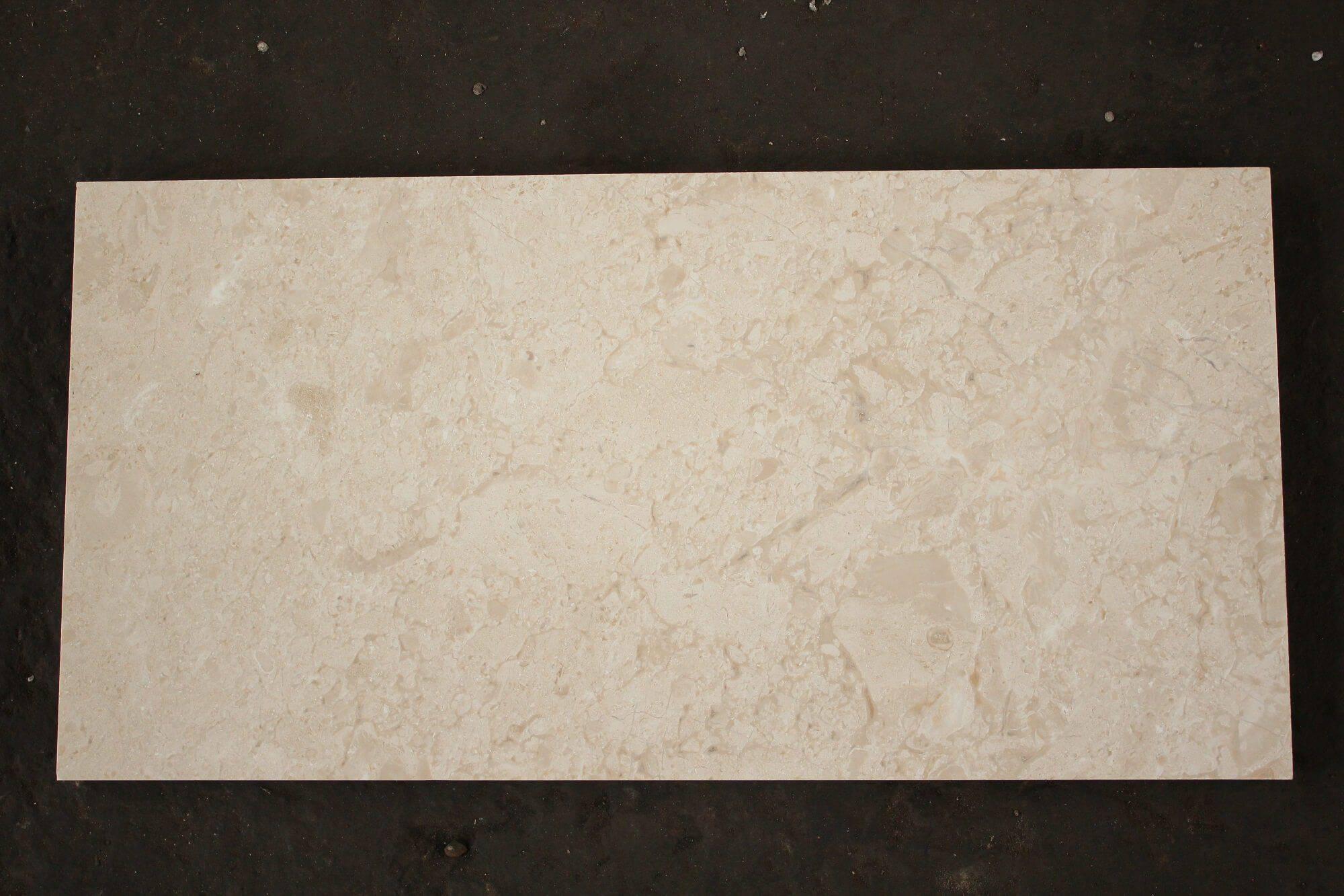 Плитка из мрамора Crema Nova 30х30 и 60х60 фото 1 — изелия и проекты от Bevers Marmyr