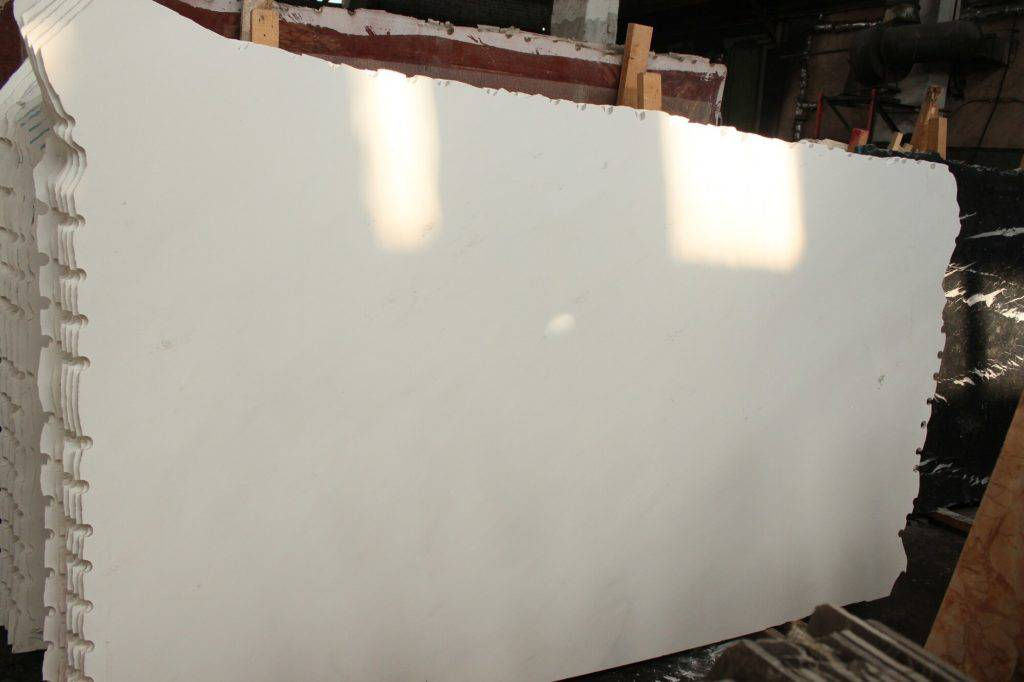 белый мрамор Polaris из Греции