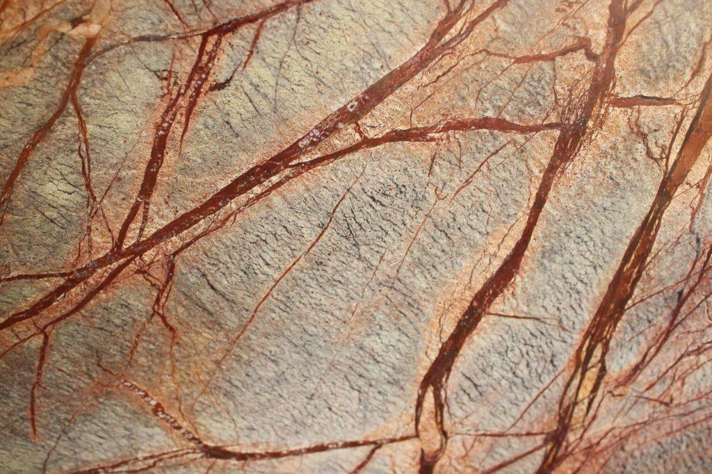 Коричневый мрамор Bidasar Brown, полированный