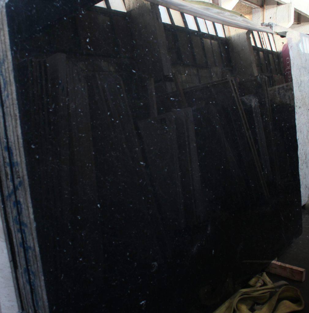 Чёрный мрамор NERO MARQUINA