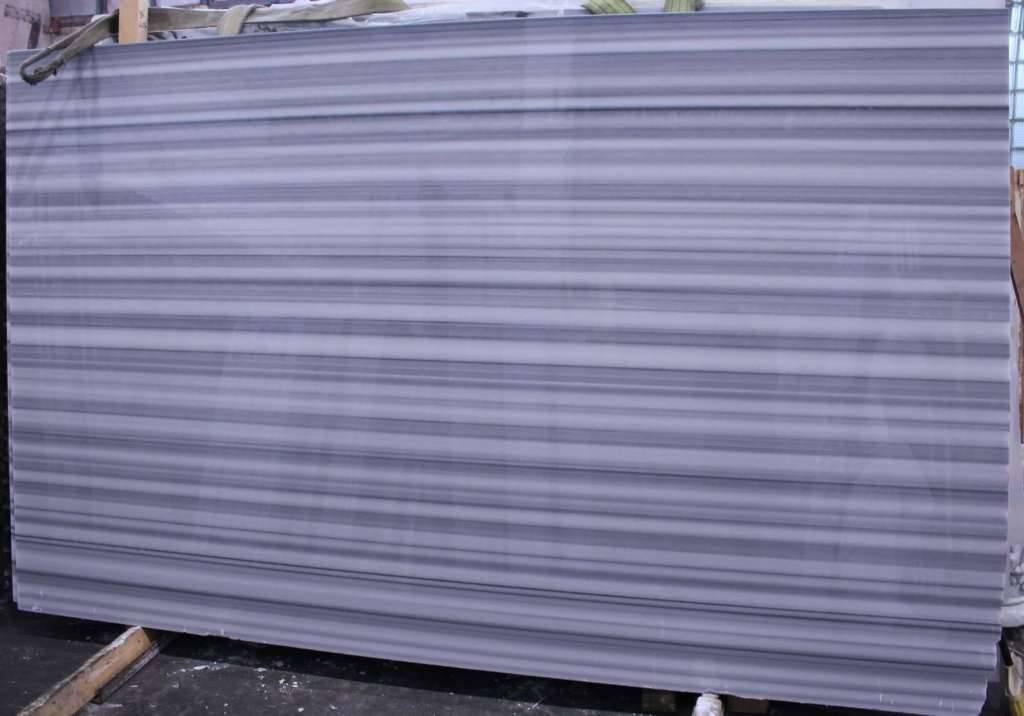 бело серый мрамор из Турции MARMARA