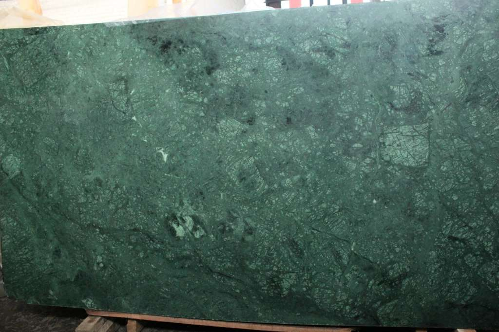 заказать подоконник из мрамора Verde Guatemala