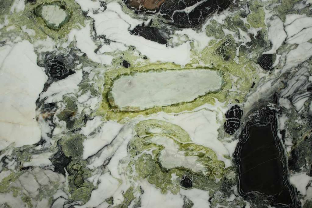 Зелёный мрамор Ocean Green на складе Беверс Мармур