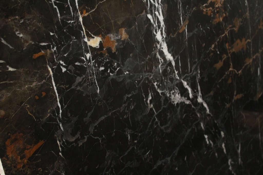 Чёрный мрамор EBONY GOLD из Омана