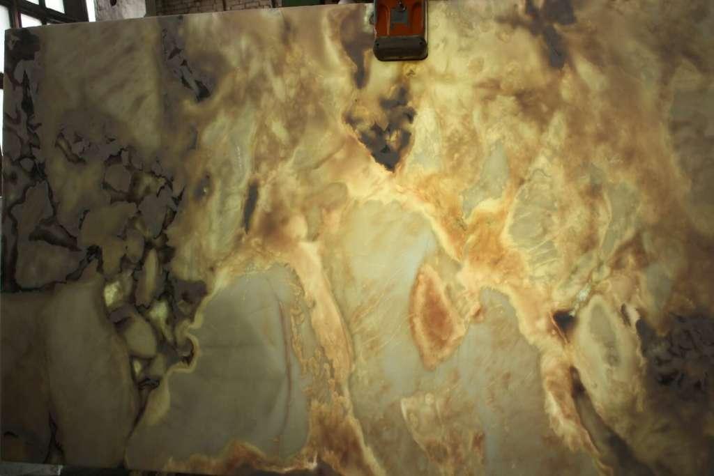 Подсвечивается мрамор Oyster