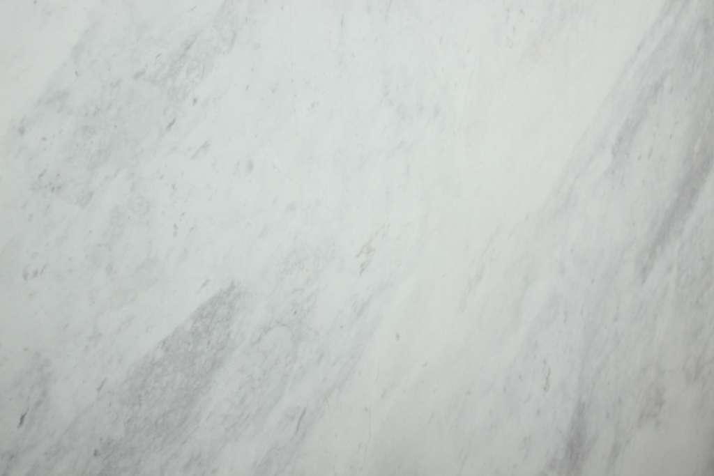 Белый мрамор Victory с серыми вкраплениями