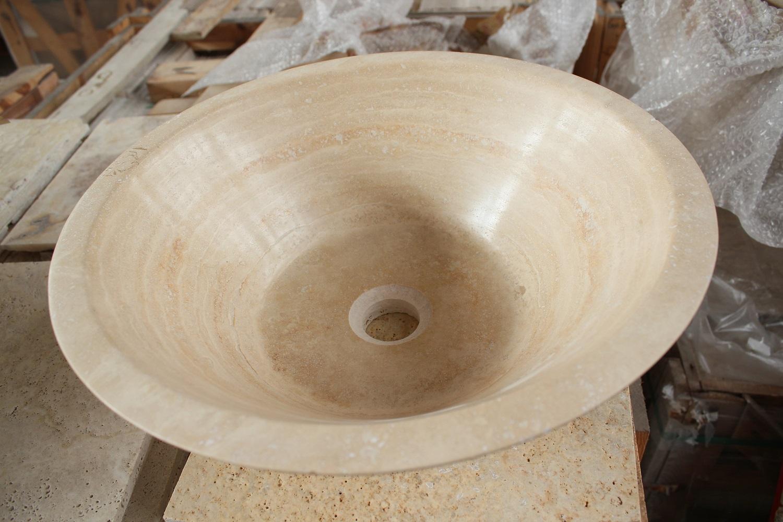 Умивальник із бежевого натурального каменю фото 1 — изелия и проекты от Bevers Marmyr